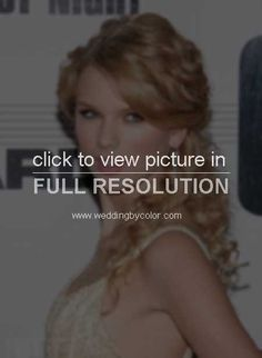 Taylor-Swift-at-the-41st-Annual-CMA-Music-Awards