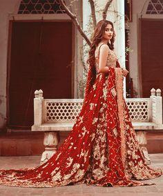 Sajal ali look so nice bridal Pakistani Wedding Outfits, Pakistani Bridal Dresses, Pakistani Wedding Dresses, Bridal Outfits, Bridal Lehenga, Shadi Dresses, Indian Dresses, Indian Outfits, Sajal Ali