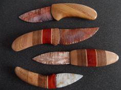 AGATE - Carved Eagle Flint Knapped Knife