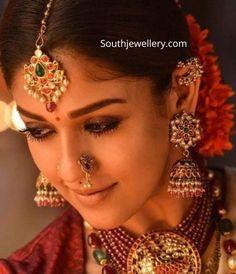 Nayanthara jewellery in Sye Raa Narasimha Reddy - Jewellery Designs Indian Jewellery Design, South Indian Jewellery, Indian Wedding Jewelry, Indian Jewelry, Bridal Jewelry, Jewelry Design, Antique Jewellery, Handmade Jewellery, Saree Jewellery