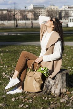 #springoutfit #spring #fashionblogger #fblogger #beigecombo #beigeoutfit #beigevest #outfit #casual #casualoutfit