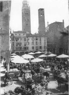 Cremona (Italy) piazza del mercato