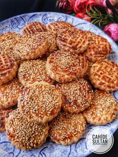 17 Ideas Desserts Finger Snacks For 2019 Cookie Recipes, Dessert Recipes, Oil Cake, Homemade Donuts, Donut Glaze, Dessert Bread, Turkish Recipes, Snacks, Food And Drink