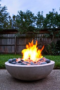 You Can Do it Youself: How to Make a DIY Modern Concrete Fire Pit from Scratch