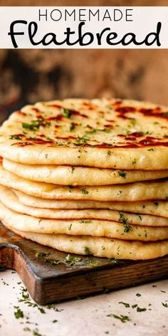 This Homemade Flatbread recipe is the carb you need right now. It's soft, fluffy, and super flavorful. A warm, soft, and fresh snack or dinner side. # Food and Drink homemade Easy Homemade Flatbread Recipe Easy Flatbread Recipes, Soft Flatbread Recipe, Naan Recipe, Flatbread Ideas, Homemade Flatbreads, Flatbread Appetizers, Recipe Recipe, Recipe Ideas, Comida India