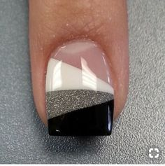 Most Attractive black and white nail art designs Cute Nail Art Designs, Nail Art Designs 2016, Pedicure Designs, Nail Polish Designs, White Glitter Nails, White Nail, Tattoo Henna, Gel Nagel Design, Wedding Nails Design