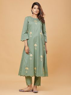 Buy Green Golden Block Printed Scalloped Edge Cotton Kurta online at Theloom