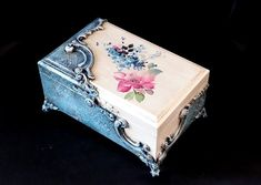 VK is the largest European social network with more than 100 million active users. Decoupage Furniture, Decoupage Box, Decoupage Vintage, Painted Trunk, Painted Boxes, Birthday Care Packages, Altered Cigar Boxes, Dot Art Painting, Tole Painting