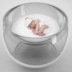 Designerska kołyska Bubble Baby Bed projektu Lany Agiyan