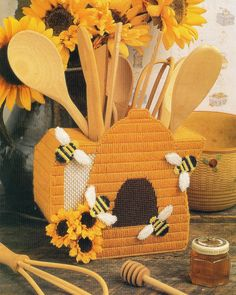 Beehive Pitcher Plastic Canvas Pattern by needlecraftsupershop, $4.50