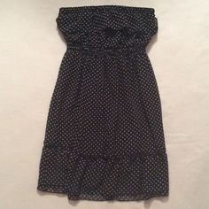 .:POLKADOT STRAPLESS DRESS:. Size medium navy blue dress with while polka dots. Dress has two layers but is light weight and flowy. Dress has elastic around top so it will not slide down. Great condition, tons of love left in this dress! Mimi Chica Dresses Strapless