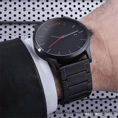 Add a dash of distinction to your wardrobe with this smart and classic style watch design made from stainless steel.