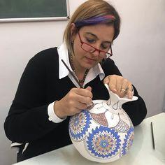 Dot Art Painting, Ceramic Painting, Turkish Tiles, Blue Pottery, Gourd Art, Islamic Art, Gourds, African Art, Chinoiserie