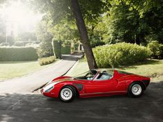 Alfa Romeo Tipo 33 Stradale. Pinning again 'cos it's so damned gorgeous