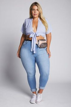 Making Moves Like A Queen: Checkmate Wrap Top Curvy Outfits, Plus Size Outfits, Fashion Outfits, Fashion Trends, Looks Plus Size, Plus Size Model, Curvy Girl Fashion, Plus Size Fashion, Fashion Women
