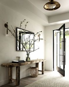 Entryway table designs ideas for home interior decoration 7 Entry Foyer, Entryway Decor, Entryway Tables, Bedroom Decor, Home Interior, Interior Decorating, Interior Design, Decorating Ideas, Apartments Decorating