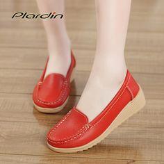 $14.99 (Buy here: https://alitems.com/g/1e8d114494ebda23ff8b16525dc3e8/?i=5&ulp=https%3A%2F%2Fwww.aliexpress.com%2Fitem%2Fwomen-shoes-2014-summer-women-genuine-leather-shoes-handmade-gommini-women-flats-sweet-round-toe-casual%2F941577506.html ) Wedges Women Shoes Four Seasons 2016 Women Genuine Leather Shoes Women Ballet Flats Sweet Casual All-match Mother Walk Shoes for just $14.99