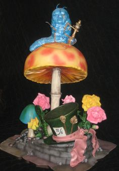 Tim Burton's Alice in Wonderland Cake