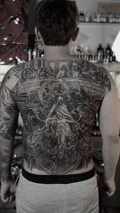 Back piece work done in 2018 Last supper on top and the pieta like in the rest. Baby Tattoos, Leg Tattoos, Body Art Tattoos, Tattoos For Guys, Sleeve Tattoos, Back Of Neck Tattoo Men, Full Back Tattoos, Full Body Tattoo, Christ Tattoo