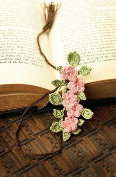 books.quenalbertini: Crochet Flowers Bookmarker | Ana Rosa