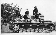 Panzer IV Panzerkampfwagen IV Ausf. G – WW ll Medium Tank – Crew: 5 (Commander, Gunner, Loader, Radio Operator/Bow Machine Gunner and Driver) Armament: 1 x 75mm KwK 40-L48 and 2 x 7.92mm Maschinengewehr 34 Panzerlauf Machine Guns - 8,553 Produced (1939–1945) (1)
