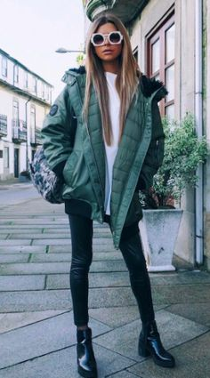 Pin: HEATONMINDED Green Outfits, Different Styles, Jackets For Women, Bomber Jacket, Dress Up, Winter Jackets, How To Wear, Closet, Fashion