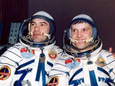 Dumitru Prunariu – singurul român care a zburat vreodată în spațiul cosmic Romania People, History Facts, Academia, Captain Hat, Space, Culture, History, Floor Space, Spaces