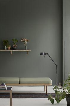 KlipKlapin monikäyttöinen daybed sopii kodin joka huoneeseen. Tuotetta voi käyttää sohvana, lisäsänkynä tai istuimena. Runko on valmistettu tammesta ja kankaat tyynyihin on tarkoin valittuja.