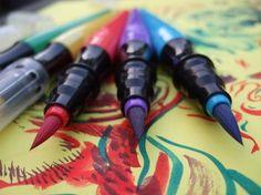 http://www.writingthroughlife.com/wp-content/uploads/2010/11/crayolapens-350x262.jpg