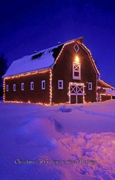 Lights On Barn For Christmas – Someday I will have a barn! I may have to share… – Outdoor Christmas Lights House Decorations Country Barns, Country Life, Country Living, Country Roads, Country Christmas, Outdoor Christmas, Christmas Ideas, Merry Christmas, Christmas Goodies