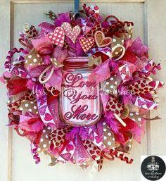 Valentines wreath Valentine Day Wreaths, Valentines Day Decorations, Valentine Day Crafts, Holiday Wreaths, Holiday Crafts, Valentine Deserts, My Funny Valentine, Happy Valentines Day, Wreath Crafts