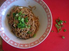 Madame Huang's Kitchen  黃媽媽的食談: Sesame noodles. Seriously yum.