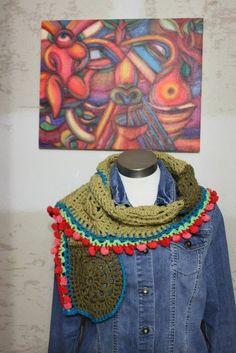 Foulard en crochet con mini pompones de Yaricrochet en Etsy