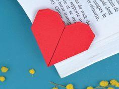 Atelier pliage : faire un marque page coeur !