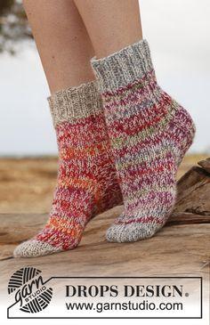 Ravelry: Cocoon - Socks in 2 strands Fabel pattern by DROPS design Loom Knitting, Knitting Socks, Knitting Patterns Free, Knit Patterns, Free Knitting, Free Pattern, Crochet Boot Socks, Knitted Slippers, Knit Crochet