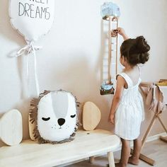 Oribels VertiPlay Wall Toys - Jack vs Giant is an easy stick and play toy that not only beautifies your walls but is also made to keep your little one entertained all while learning.