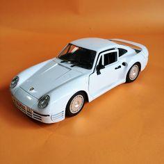 Metalowy model samochodu Porsche 959, Otwierana tylna klapa oraz drzwi. Made in Italy Porsche, Model, Decorations, Car, Design, Automobile, Scale Model, Dekoration