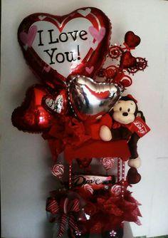 Valentines Day Baskets, Valentine Bouquet, Cute Valentines Day Gifts, Valentine Day Wreaths, Valentines Day Decorations, Valentine Crafts, Bouquet St Valentin, Indian Wedding Gifts, Valentines Bricolage