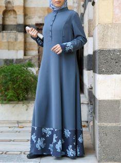 Source by taiyabasifat dresses hijab Abaya Mode, Mode Hijab, Abaya Designs, Muslim Women Fashion, Islamic Fashion, Abaya Fashion, Fashion Dresses, Hijab Evening Dress, Hijab Dress
