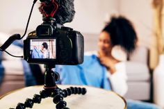 Influencers deliver ROI as marketers embrace them | Ad Age Online Marketing Services, Marketing Program, Social Media Marketing, Social Media Influencer, Influencer Marketing, Fake Followers, Working People, Marketing Professional, Best Camera