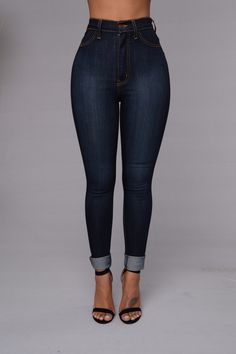 This is cute too! A little fast haha but high waist jeans + short top is really cute : )