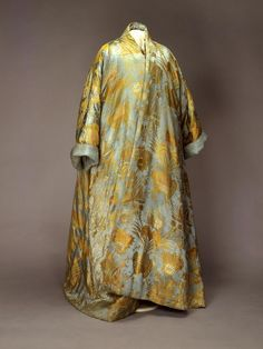 The Russian Tzar Peter the Great went on a visit to France during Louis XV's minority; unlike his host quite a lot of the Tzar's clothing h. 18th Century Dress, 18th Century Fashion, 19th Century, Historical Costume, Historical Clothing, 1800s Clothing, Vintage Clothing, Baroque, Rococo