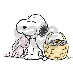 Charlie Brown and Snoopy character art and Peanuts designs on gifts, apparel, housewares, t-shirts, mugs and more. Images Snoopy, Snoopy Pictures, Peanuts Cartoon, Peanuts Snoopy, Charlie Brown Et Snoopy, Charlie Brown Easter, Snoopy Et Woodstock, Minions, Peanuts Gang