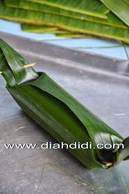 Diah Didi's Kitchen: Arem Arem Isi Ayam Tamales, Diah Didi Kitchen, Indonesian Desserts, Celery, Cooking Recipes, Snacks, Traditional, Vegetables, Thailand