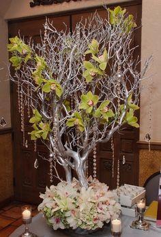 Centro de mesa con ramas mesas decoradas fiesta - Ramas decoradas ...