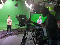 La Școala de Televiziune Junior copii fac primii pași în lumea magică a micului ecran. Micuții învață și se joacă cu tehnologia de ultimă oră, fiind gata pentru viitorul care li se așterne în fața lor. Înscrierile se pot face sunând la numărul de telefon: 0743 221 018 ☎️0743221018 🌻www.tvjunior.ro #scoaladeteleviziunejunior Concert, Concerts
