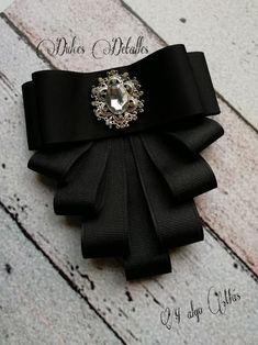 Bow Brooch negro - Ribbon Jewelry, Fabric Jewelry, Diy Hair Bows, Diy Bow, Ribbon Crafts, Ribbon Bows, Ribbon Art, Embroidery Jewelry, Beaded Embroidery