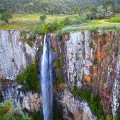 Cascatas e Lagoas do Rio Homem - Como Ir - Trilho e Percurso Pedestre Trekking, Best Places In Portugal, Waterfall, Outdoor, Parking Lot, School Holidays, Hiding Spots, Pedestrian, Waterfalls