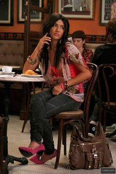 gossip girl outfit - in love with vanessa abrams outfits!