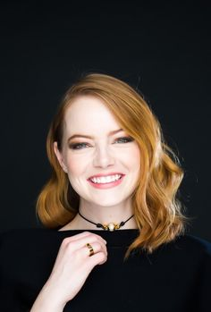 """emstonesdaily: """"Emma Stone photographed by Michael Nagle for Los Angeles Times """" - Isn't she lovely? Ema Stone, Actress Emma Stone, Jenifer Aniston, Gwen Stacy, Hollywood Actresses, Beautiful Actresses, Redheads, Red Hair, Sexy"""